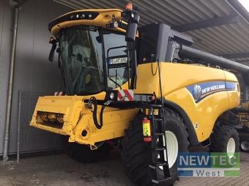 New Holland CX 6.90 - moissonneuse-batteuse