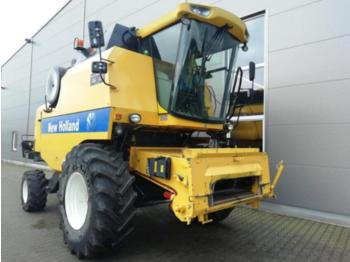 New Holland TC 5070 - moissonneuse-batteuse