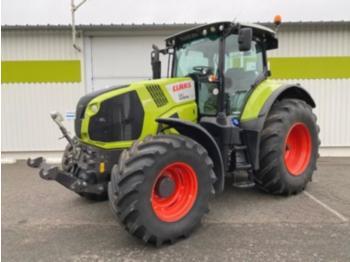 Tracteur agricole CLAAS axion 810 cmatic
