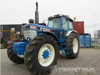 Ford 8210 III - tracteur agricole