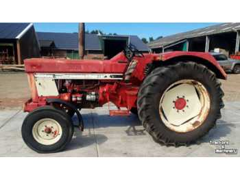 International 744 - tracteur agricole