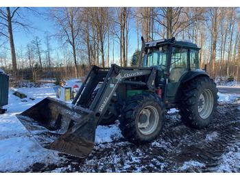 Valtra 900 4-WD  - tracteur agricole