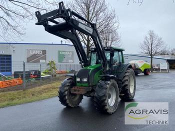 Tracteur agricole Valtra N 121
