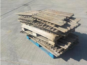 Pallet of 700mm Track Pads (2 of) - chenille