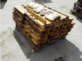 Pallet of Track Pads to suit Komatsu D65EX - chenille