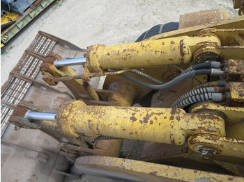 CATERPILLAR bucket tilt cylinders - vérin hydraulique