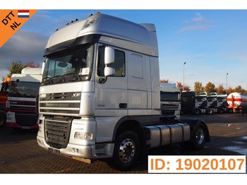 Tracteur routier DAF XF105.460 Super Space Cab