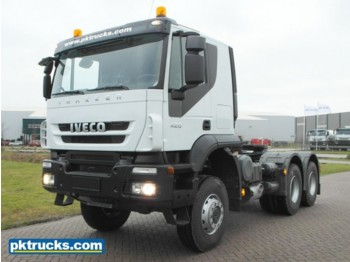 Tracteur routier Iveco Trakker AT720T42WTH (2 Units)