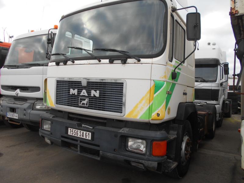tracteur routier MAN 19.372