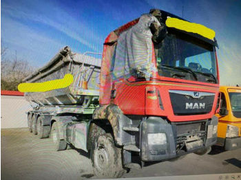 MAN TGS 18.420 4x4 Kipphyd. Intarder  - tracteur routier