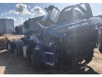 MAN TGX 26.460 6X2 YEAR 2019 UNFALL  - tracteur routier