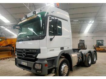 Tracteur routier Mercedes-Benz 3355