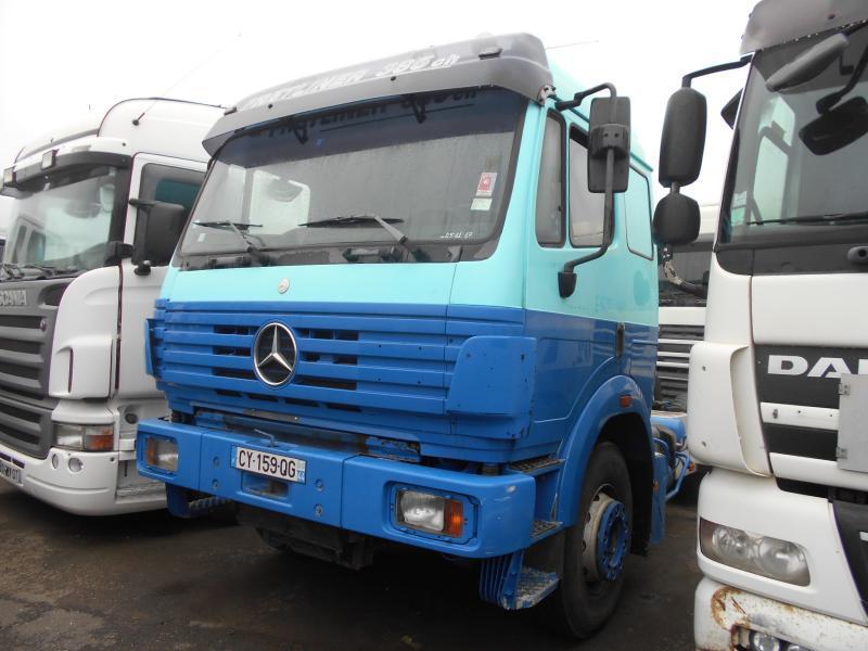 tracteur routier Mercedes SK 2038