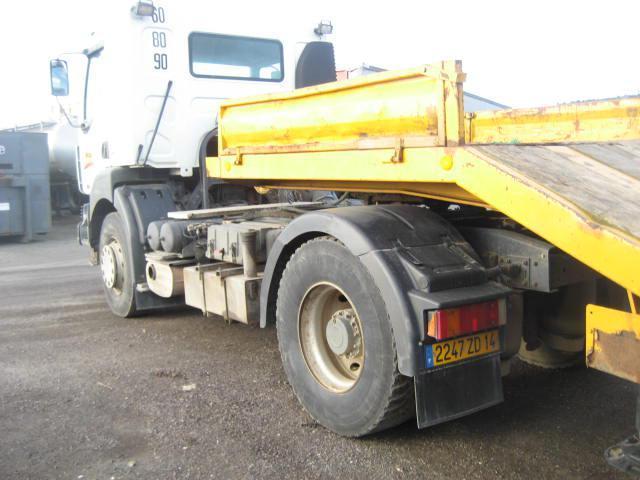 tracteur routier Renault Kerax 420