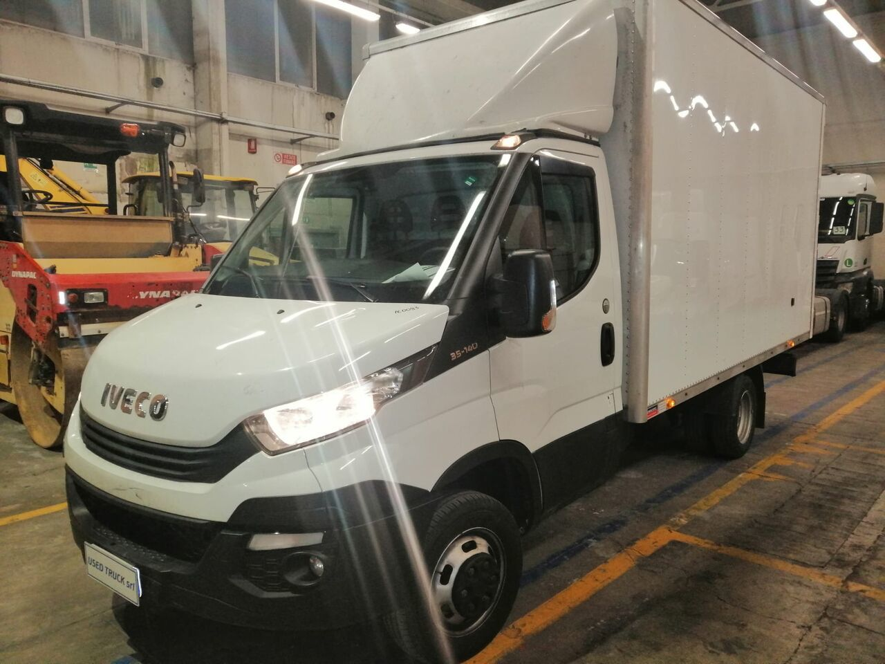 fourgon grand volume IVECO daily 35-140