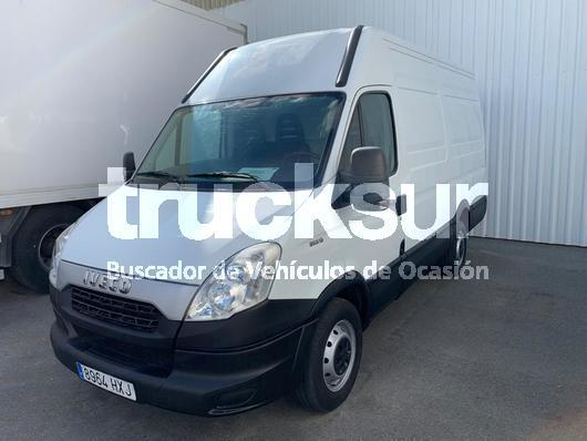 fourgon grand volume Iveco 35S13