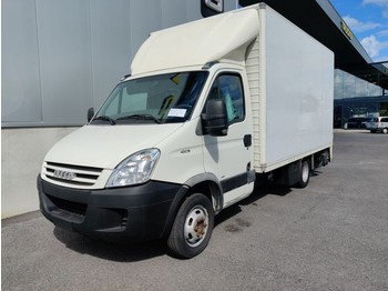 Fourgon grand volume Iveco Daily