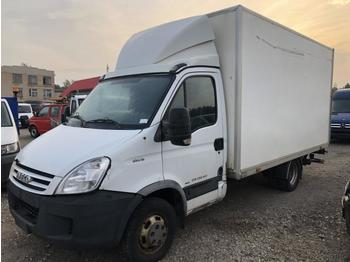 Fourgon grand volume Iveco Daily 35c18