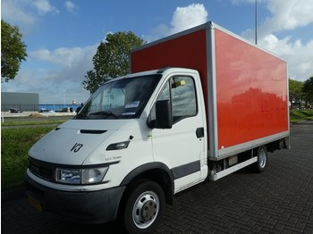Fourgon grand volume Iveco Daily 40C11