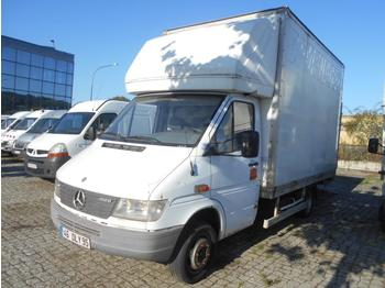 Fourgon grand volume Mercedes 412D