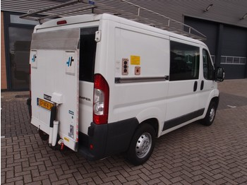 Fourgon utilitaire Citroën Jumper 30 HDI d.c laadklep 6-pers catering laadlift