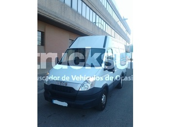 Fourgon utilitaire Iveco 35S13 10,8M3