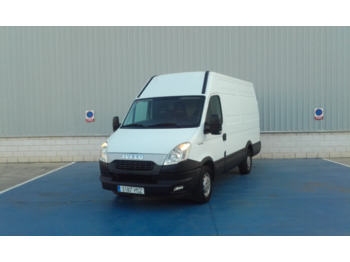 Fourgon utilitaire Iveco 35S15 12M3