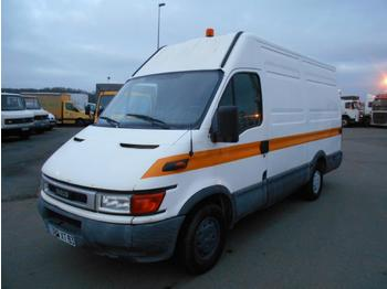 Fourgon utilitaire Iveco Daily