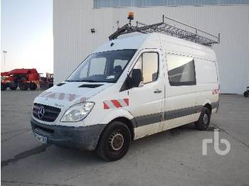 Fourgon utilitaire MERCEDES-BENZ SPRINTER 313CDI Vehicule Utilitaire Double Cabine C