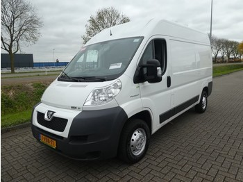 Fourgon utilitaire Peugeot Boxer 3.0 hdi l2h2 airco