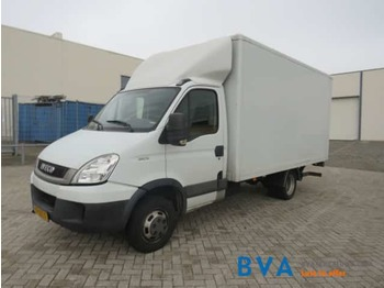 Véhicule utilitaire Iveco Daily 2.3 93KW: photos 1